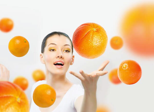girl-oranges (1)