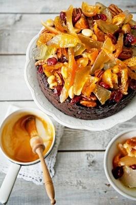 fruit-nut-topping-cake.full (1)