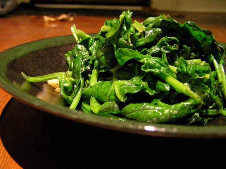 продукты для мозга топ 10 шпинат