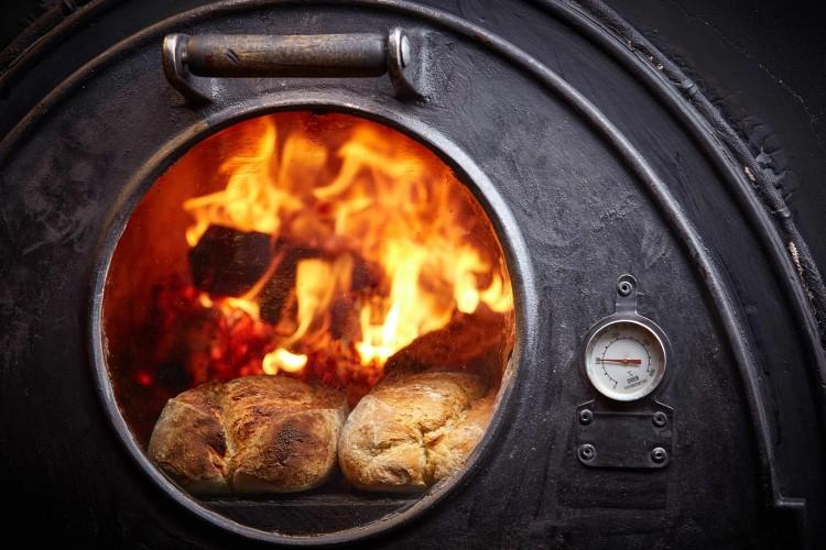 Хлеб в печи