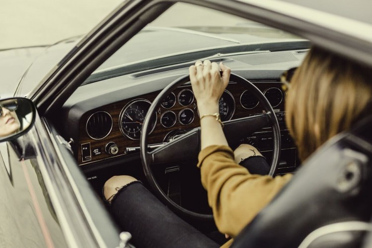 девушка в авто карпулинг