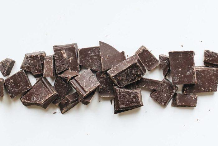 brown-and-white-chocolate-bars-Фото автора Polina Tankilevitch Pexels