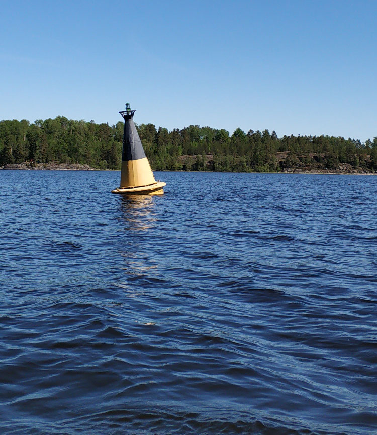 Буй в воде pexels-daria-shevtsova