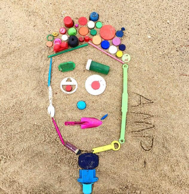 Анн Мари Прайс мозаика на пляже
