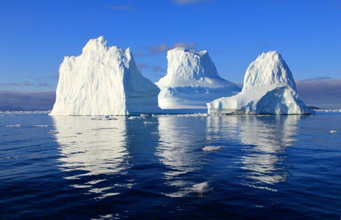 транспортировка айсбергов Изображение Rolf Johansson с сайта Pixabay