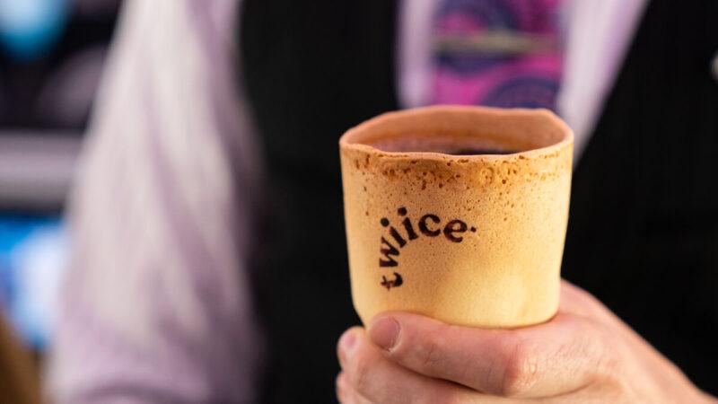 съедобный стаканчик для кофе