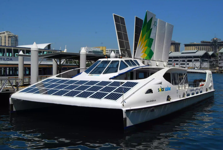 Корабли и лодки на энергии солнца