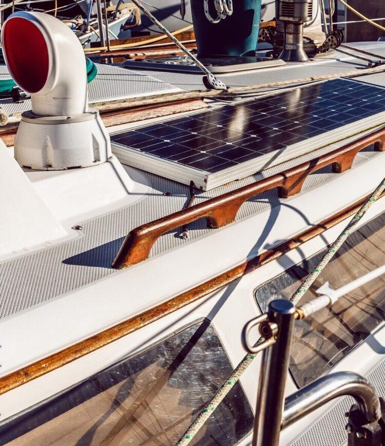 лодка на солнечной энергии Изображение Vlad Vasnetsov с сайта Pixabay