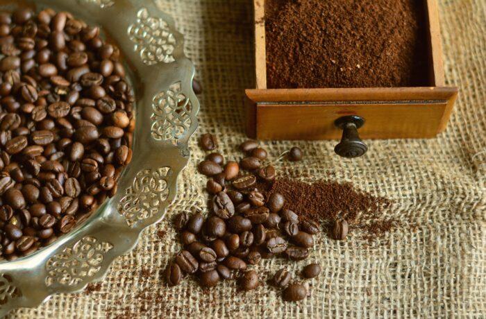 кофейные зерна Изображение congerdesign с сайта Pixabay