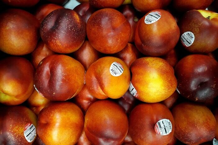 наклейки на фруктах 2 pexels-marco-antonio-victorino