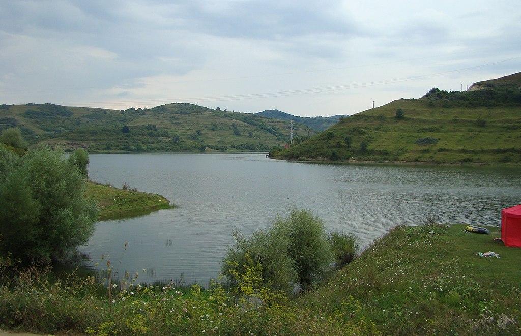 Озеро Безид Румыния 1024px-Lacul_Bezid_(1)