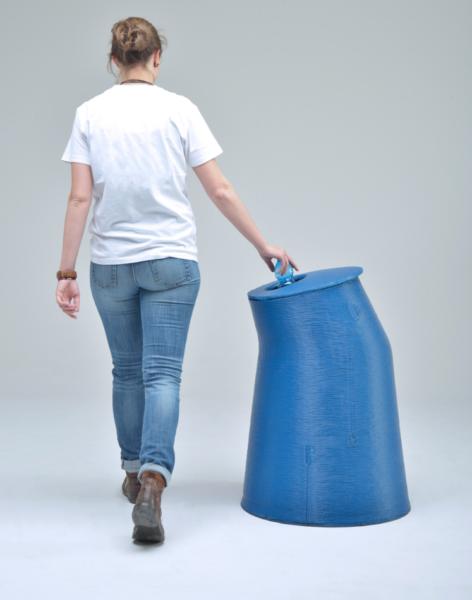 мусорный бак из отходов пластика