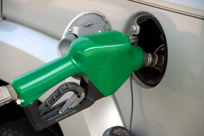 отказ от этилированного бензина Изображение Paul Brennan с сайта Pixabay