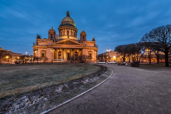 night-st-petersburg-full-1