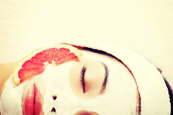 girl-fruit-mask.full