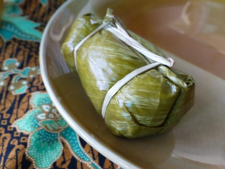 тайские десерты: конвертики из клейкого риса