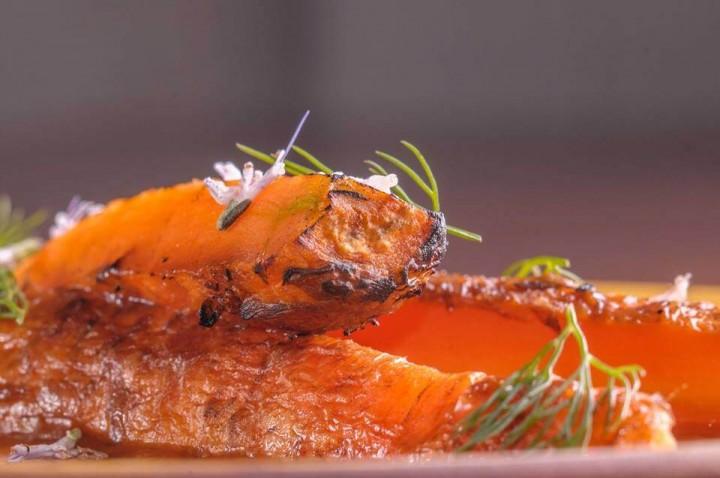 Засахаренная морковь в сливочном масле