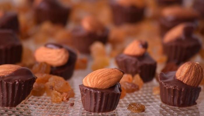 конфеты с какао и брусникой