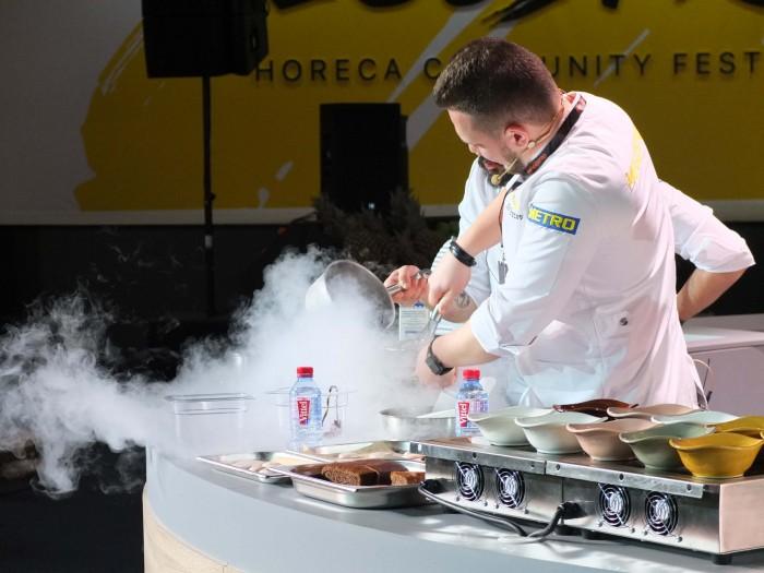 Антон Абрезов готовит